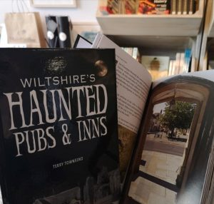 Haunted Pubs and Inns book on online shop