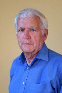 Councillor Robert Giles professional headshot