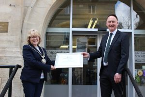 Mayor of Chippenham and representative of Wiltshire Digital Drive stood socially distanced on the Town Hall steps